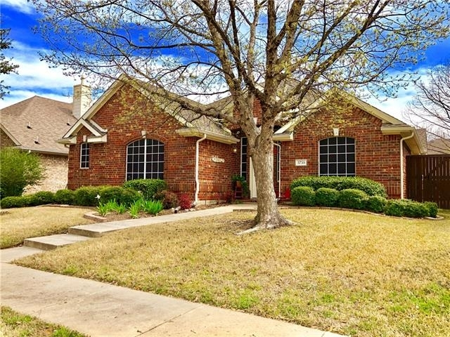 3 Bedrooms, Legend Crest Rental in Dallas for $1,850 - Photo 1