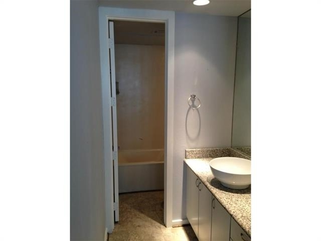 1 Bedroom, Edgemere Place Rental in Dallas for $1,100 - Photo 2