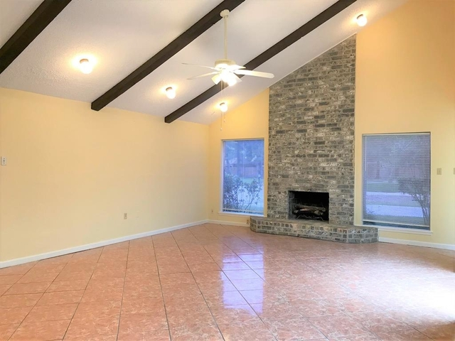 4 Bedrooms, Imperial Woods Rental in Houston for $1,950 - Photo 1