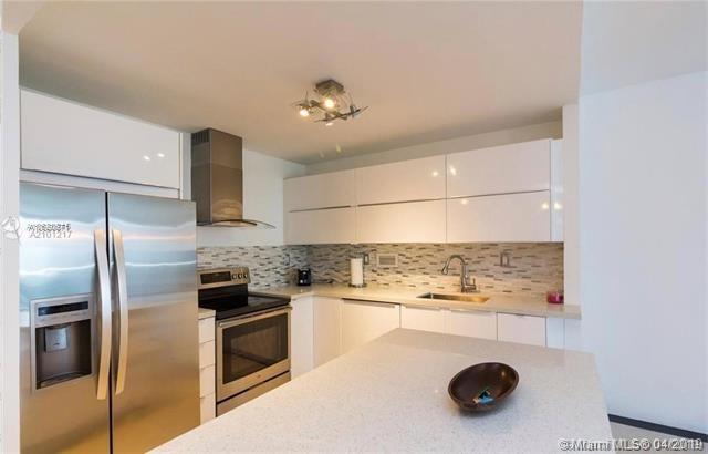 2 Bedrooms, Oceanfront Rental in Miami, FL for $3,770 - Photo 2