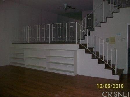 2 Bedrooms, Sherman Oaks Rental in Los Angeles, CA for $2,895 - Photo 2