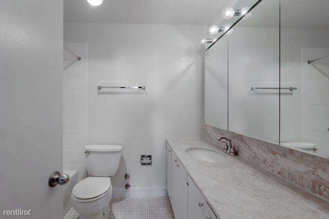 1 Bedroom, Gold Coast Rental in Chicago, IL for $2,250 - Photo 2