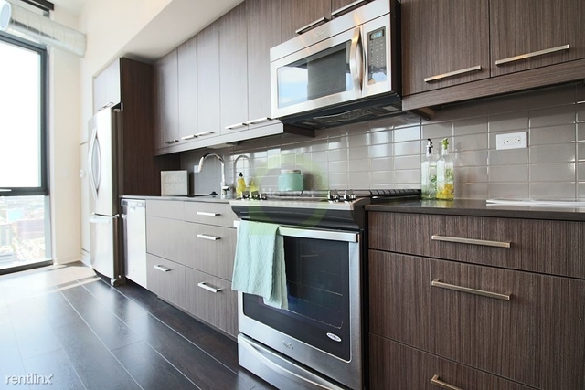 3 Bedrooms, Fulton Market Rental in Chicago, IL for $5,082 - Photo 2