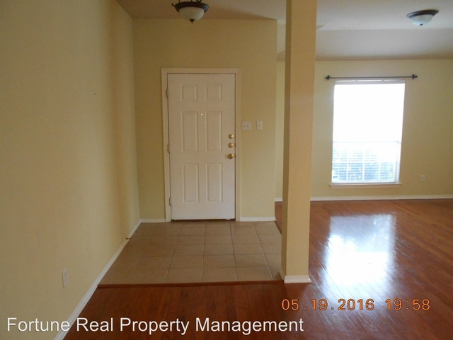 3 Bedrooms, Holland Meadows Rental in Dallas for $1,750 - Photo 2