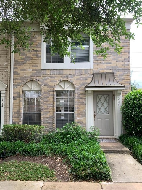 3 Bedrooms, The Towns of Grants Lake Rental in Houston for $1,400 - Photo 2