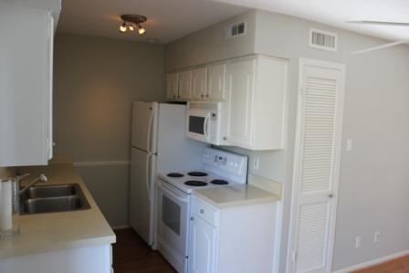 2 Bedrooms, Uptown Rental in Dallas for $1,400 - Photo 2
