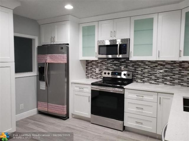 3 Bedrooms, University Drive Rental in Miami, FL for $2,475 - Photo 2