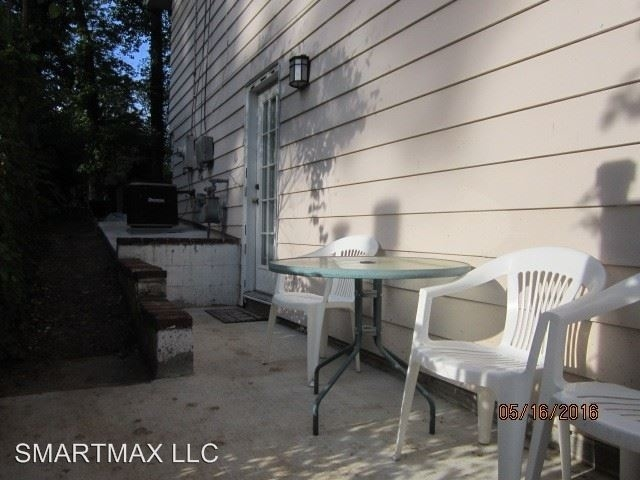 2 Bedrooms, West End Rental in Washington, DC for $650 - Photo 1