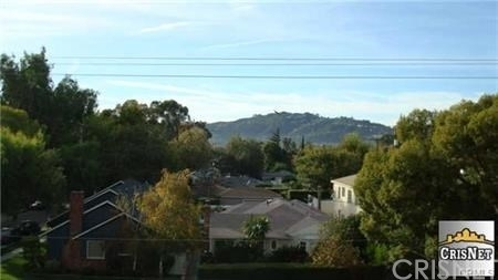 3 Bedrooms, NoHo Arts District Rental in Los Angeles, CA for $2,895 - Photo 2