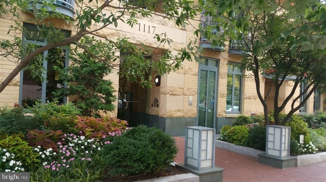2 Bedrooms, Mount Vernon Square Rental in Washington, DC for $3,200 - Photo 1