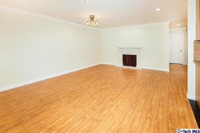 3 Bedrooms, Van Nuys Rental in Los Angeles, CA for $3,000 - Photo 2