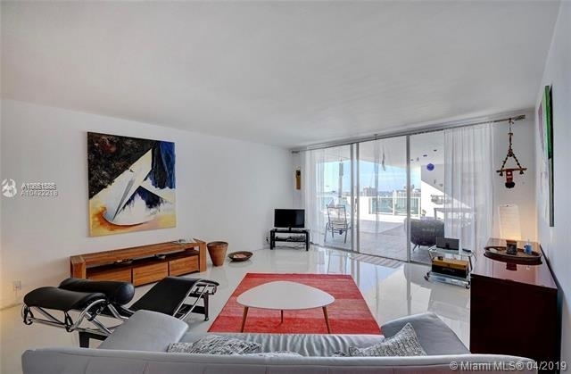 2 Bedrooms, West Avenue Rental in Miami, FL for $5,000 - Photo 2