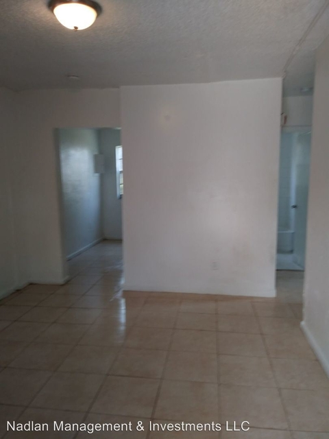 3 Bedrooms, Overtown Rental in Miami, FL for $1,350 - Photo 2