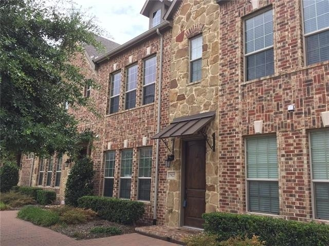 3 Bedrooms, The Town Homes at Legacy Town Center Rental in Dallas for $2,795 - Photo 2