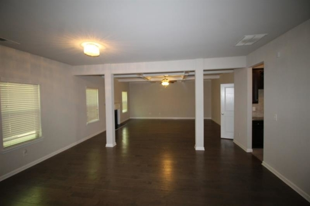 5 Bedrooms, Gwinnett County Rental in Atlanta, GA for $2,395 - Photo 2