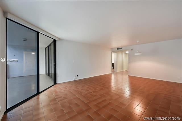 1 Bedroom, Millionaire's Row Rental in Miami, FL for $1,800 - Photo 2