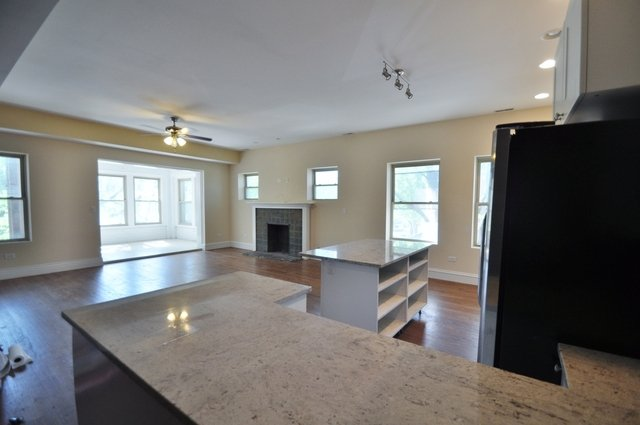 4 Bedrooms, Hyde Park Rental in Chicago, IL for $2,600 - Photo 2