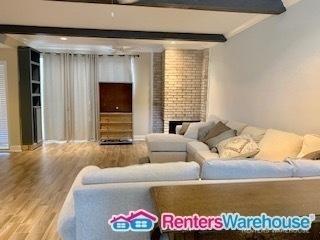 3 Bedrooms, Trailwood Village Rental in Houston for $1,690 - Photo 2