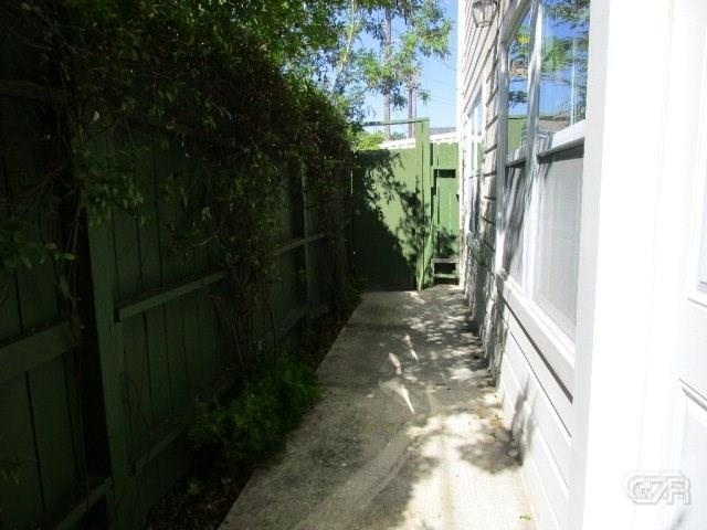 2 Bedrooms, East End Historic District Rental in Houston for $1,395 - Photo 2