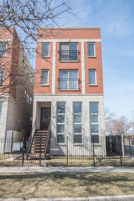 3 Bedrooms, Park Manor Rental in Chicago, IL for $1,400 - Photo 1