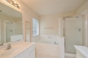 4 Bedrooms, Harper's Landing Rental in Houston for $1,695 - Photo 2