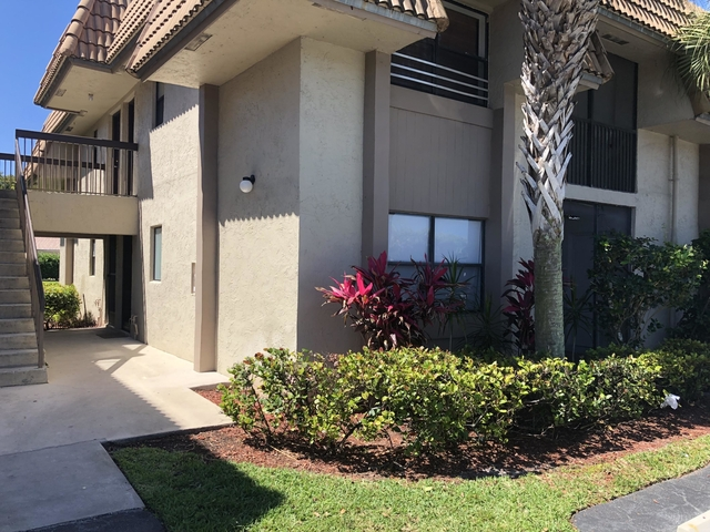 2 Bedrooms, Country Club Rental in Miami, FL for $1,300 - Photo 1