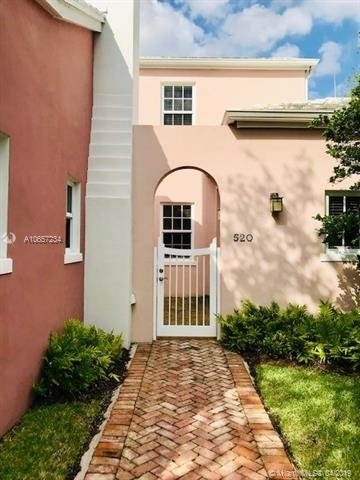3 Bedrooms, Riviera Rental in Miami, FL for $4,300 - Photo 2