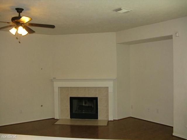 3 Bedrooms, Alden Bridge Rental in Houston for $1,725 - Photo 2