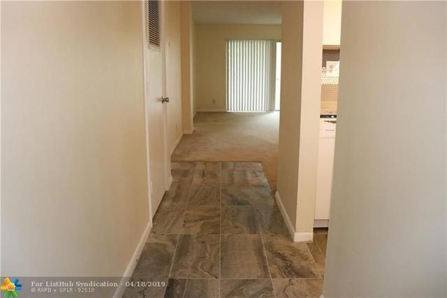2 Bedrooms, Coral Springs Rental in Miami, FL for $1,350 - Photo 2