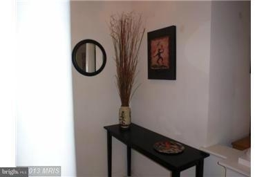 2 Bedrooms, Idylwood Rental in Washington, DC for $2,200 - Photo 2