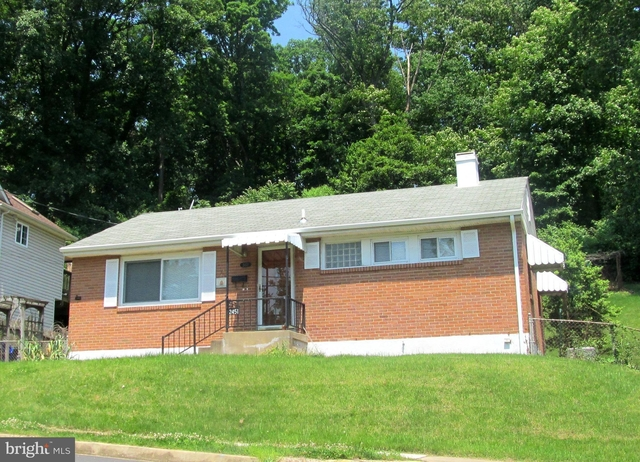 3 Bedrooms, Claremond Rental in Washington, DC for $2,800 - Photo 1