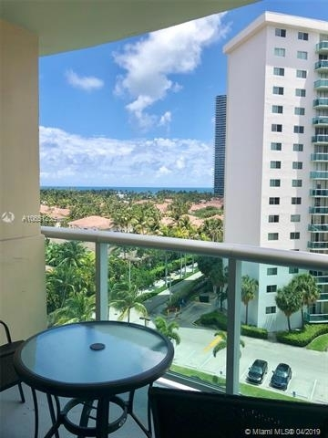 2 Bedrooms, Golden Shores Ocean Boulevard Estates Rental in Miami, FL for $2,550 - Photo 2