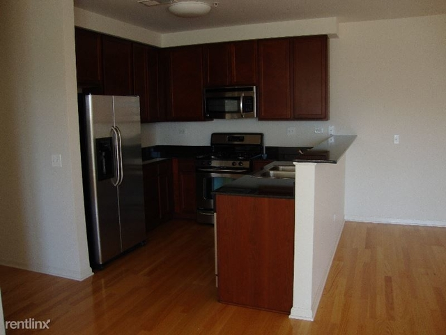 2 Bedrooms, Stateway Gardens Rental in Chicago, IL for $1,785 - Photo 2