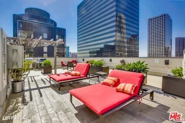 2 Bedrooms, Financial District Rental in Los Angeles, CA for $3,400 - Photo 2