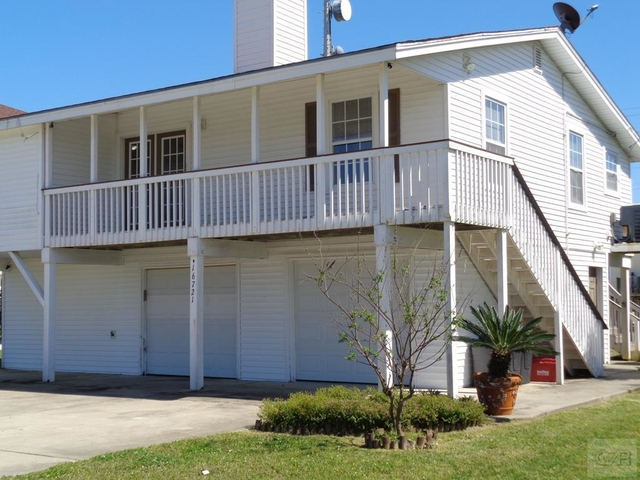 3 Bedrooms, Jamaica Beach Rental in Houston for $1,800 - Photo 1