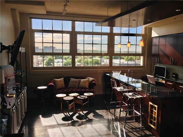 1 Bedroom, Tarrant County Rental in Dallas for $2,100 - Photo 1