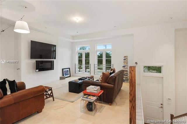 3 Bedrooms, Coral Gables Rental in Miami, FL for $7,250 - Photo 2