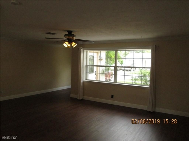3 Bedrooms, Summertime Isles Rental in Miami, FL for $2,250 - Photo 2