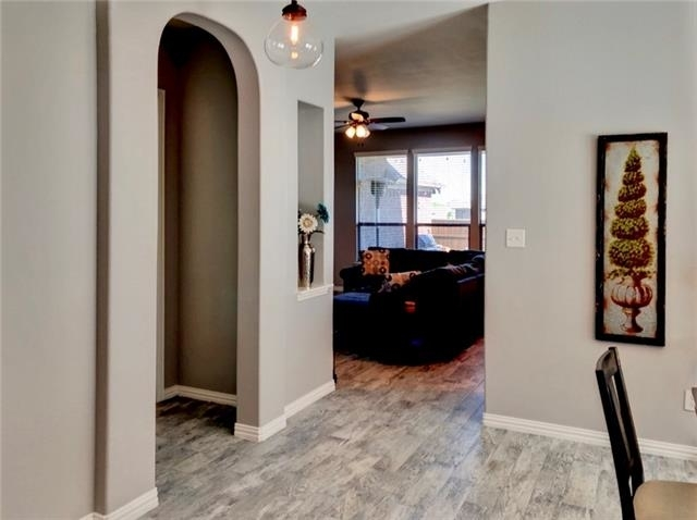 4 Bedrooms, Inwood Hills Rental in Dallas for $2,500 - Photo 2