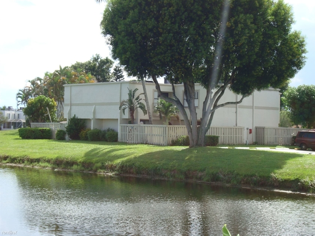 3 Bedrooms, Royal Palm Beach Rental in Miami, FL for $33,414 - Photo 2