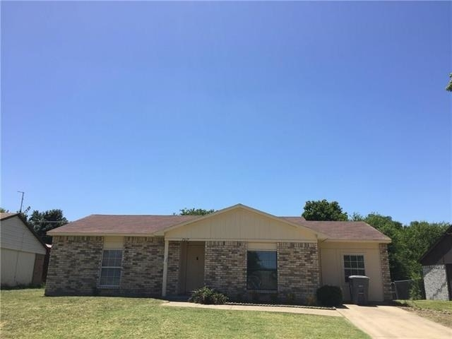 3 Bedrooms, Woods-Sugarberry Rental in Dallas for $1,275 - Photo 1