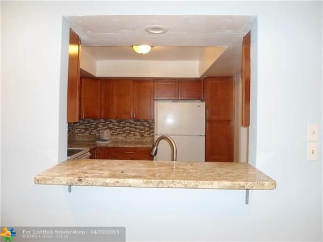 3 Bedrooms, Glenwood Rental in Miami, FL for $2,000 - Photo 2