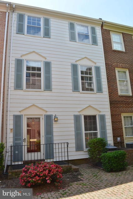 3 Bedrooms, Old Town Rental in Washington, DC for $3,600 - Photo 1