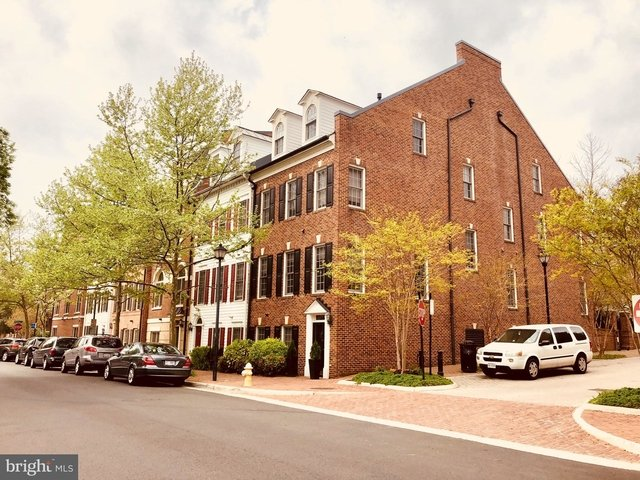 3 Bedrooms, Chatham Square Rental in Washington, DC for $4,500 - Photo 2