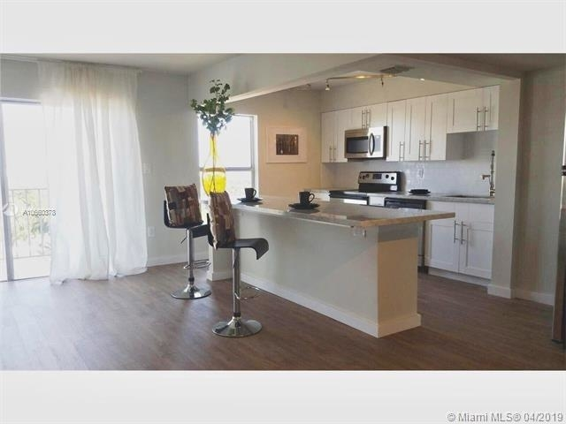 2 Bedrooms, West Avenue Rental in Miami, FL for $2,400 - Photo 1