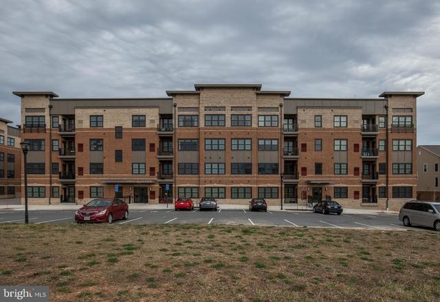 2 Bedrooms, Oakton Rental in Washington, DC for $2,595 - Photo 1
