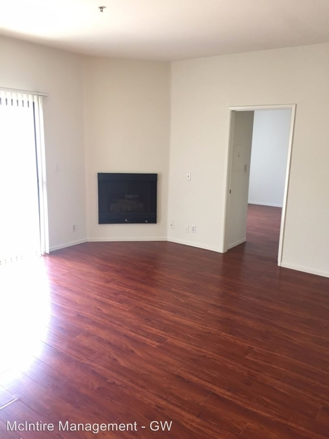 2 Bedrooms, Playhouse District Rental in Los Angeles, CA for $2,050 - Photo 2