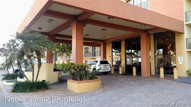 2 Bedrooms, Sunny Isles Beach Rental in Miami, FL for $2,000 - Photo 1