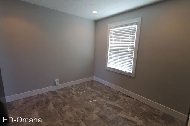 2 Bedrooms, Hanscom Park Rental in Omaha, NE for $970 - Photo 2