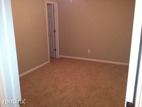 3 Bedrooms, Huber Real Estate Trust Rental in Bismarck, ND for $1,600 - Photo 1